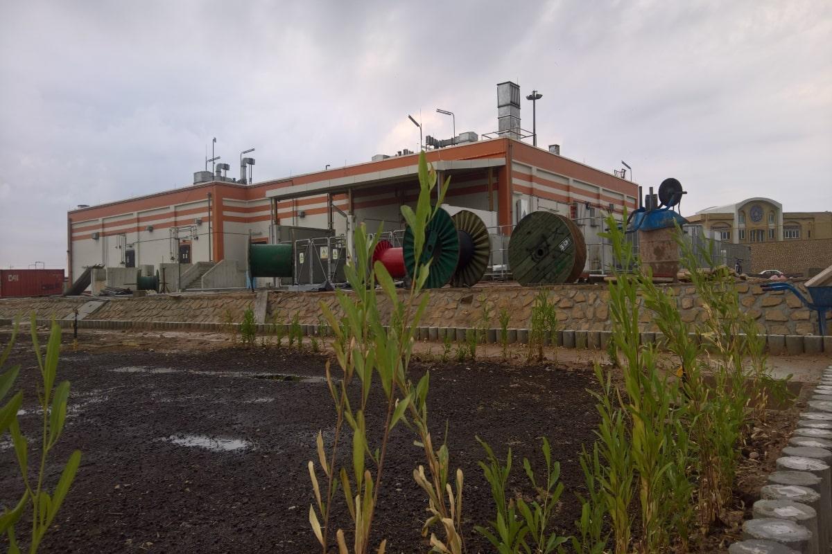 نمای ساختمان های کنترل و ایستگاه های پالایشگاه بید بلند ۲